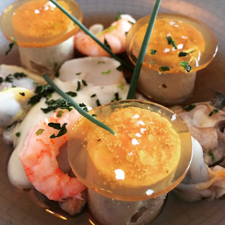 Foie gras et coquillages du Traict du Croisic gelée au poivre timut