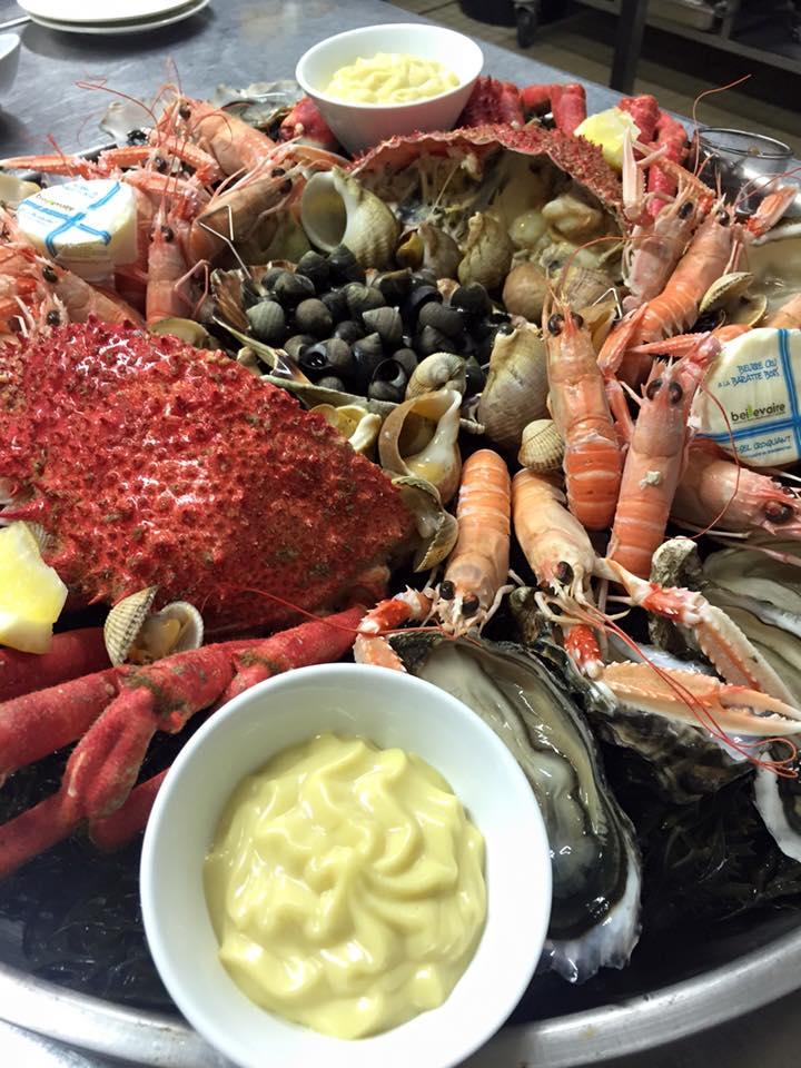 Fruits de mer h tel restaurant l 39 estacade le croisic - Decoration plateau fruit de mer ...