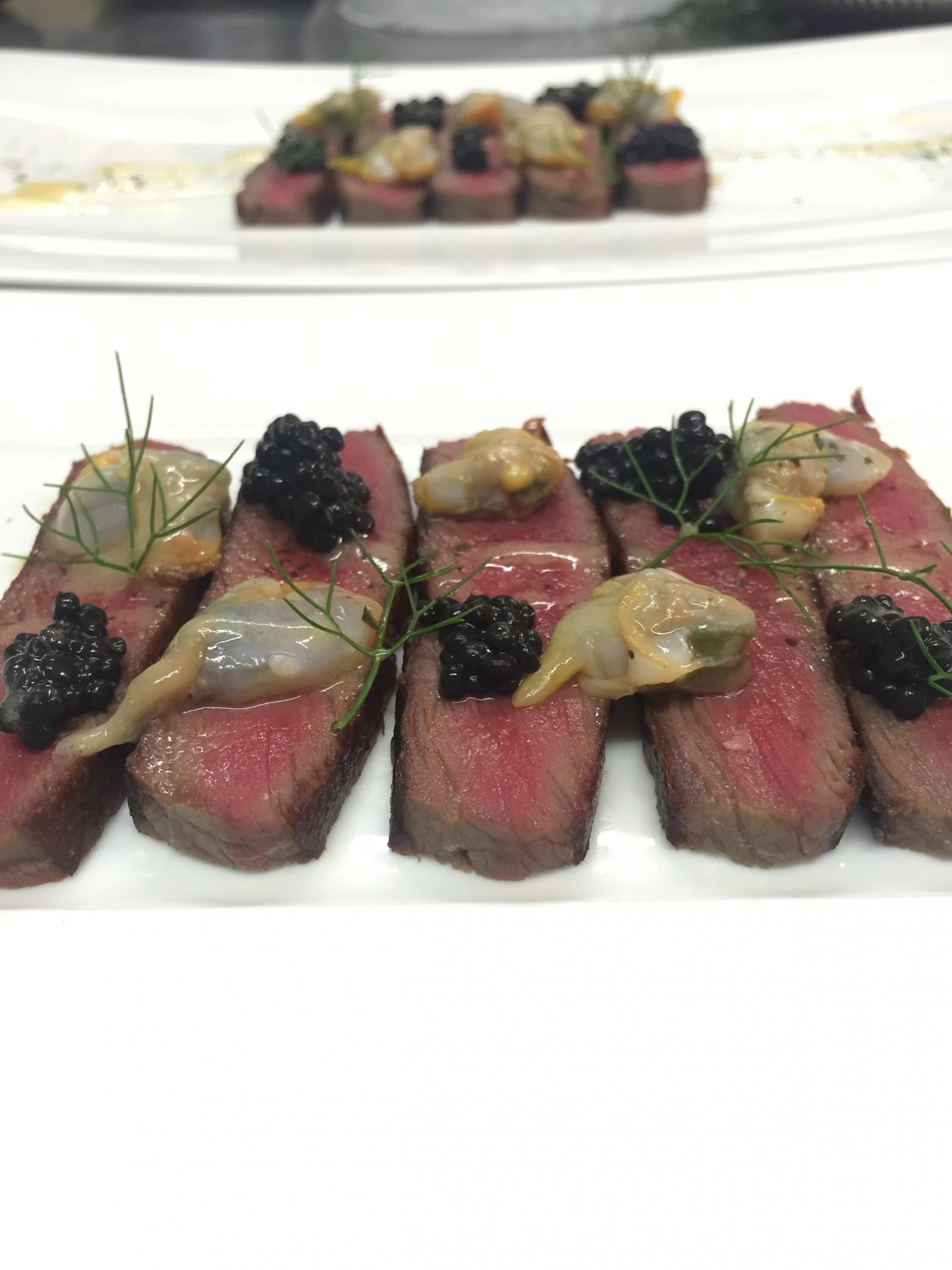Boeuf fumé maison caviar de hareng et coques du Croisic restaurant l'estacade