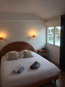 Chambre grand confort hôtel L'Estacade Le croisic vue mer